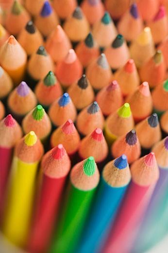 Stock Photo: 1557R-303282 Colored pencils