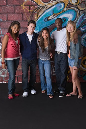 Stock Photo: 1557R-308268 Teenagers posing