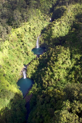 Stock Photo: 1557R-349309 Aerial of waterfalls and lakes on the island of Maui, Hawaii.