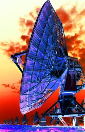 Stock Photo: 1557R-363605 Satellite dish