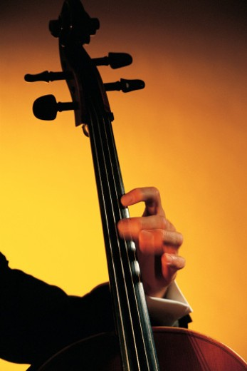 Stock Photo: 1557R-367187 Hand playing cello