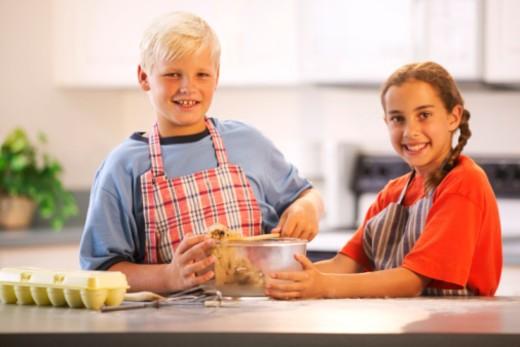 Stock Photo: 1557R-371774 Children baking