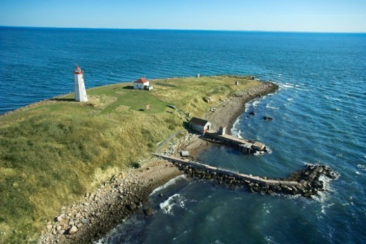 Stock Photo: 1557R-383236 Lighthouse on inlet, Connecticut, USA