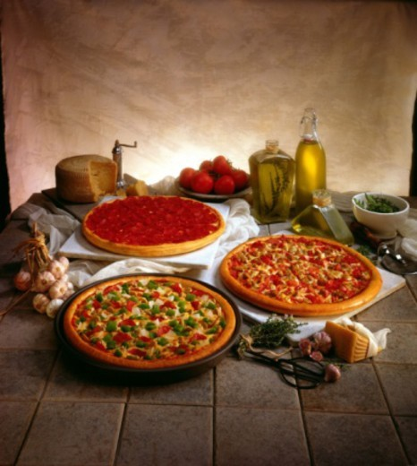Stock Photo: 1557R-388182 Pizzas with ingredients