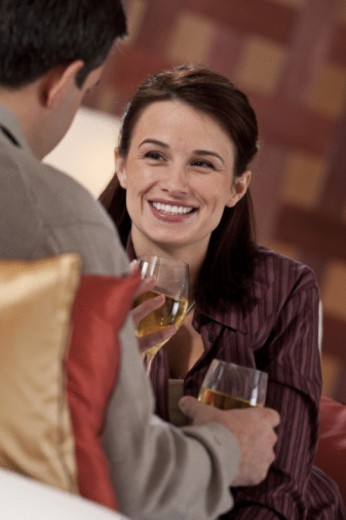 Stock Photo: 1557R-398620 coupld drinking wine
