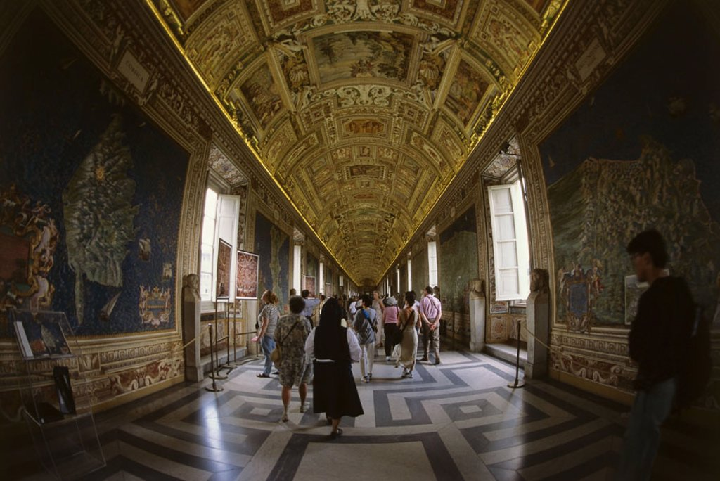 Stock Photo: 1558-103291 Italy, Rome, Vatikanisches museum,  Gallery of the cards, visitors, no models release,  Vatican, Musei Vaticani, museum, Galleria dent Carte Goegrafice paintings maps Painter Antonio antique, art, culture, sight,