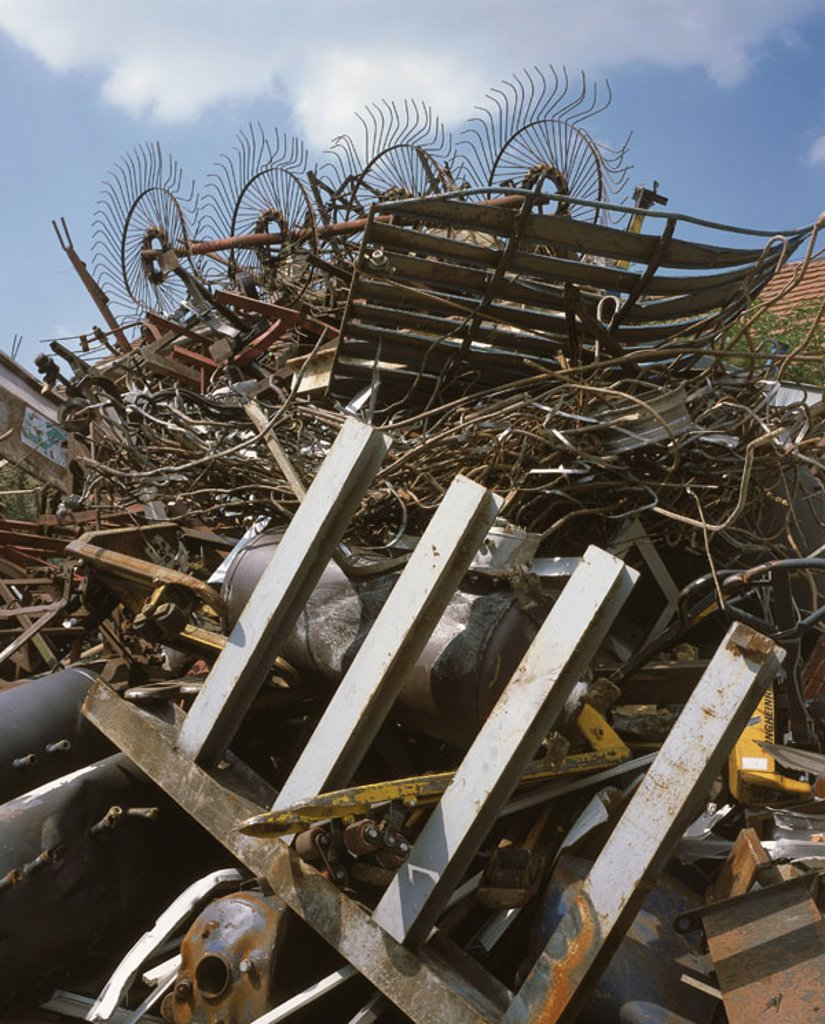 Stock Photo: 1558-103306 Scrap metal place, scrap iron, accumulated,    Collecting point, scrap metal pile, scrap metal, iron, aluminum, garbages, garbage utilization, value materials, warete disposal, recycling, symbol, environmental technology, re-application, recycling, fact r