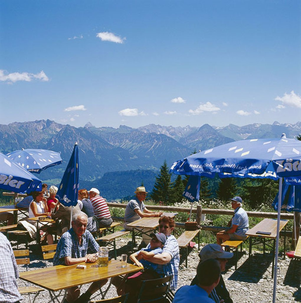 Stock Photo: 1558-109968 Germany, Bavaria, Allgäu, Bolsterlang, mountain-house Swabia, guests, mountain-panorama, no mr tourism Hotellerie gastronomy mountain-inn, sun-terrace, outlook-terrace, people, outlook, view, mountains, mountains, summits, ´Hörnerkette´, mountain-world, s