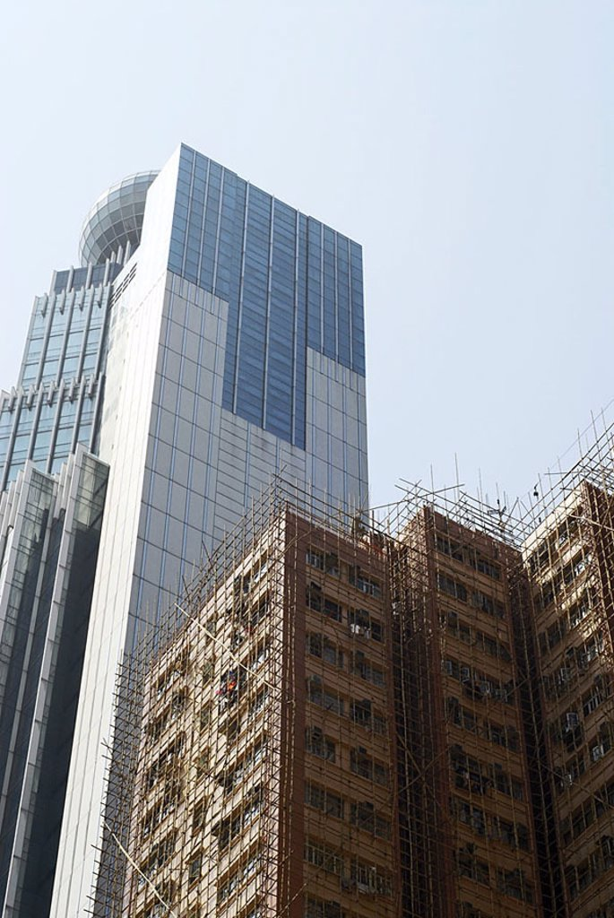 High-rise, residence, contrast, old, new, modern, traditionally, detail, glass-facades, heavens, bamboo-framework, framework, bamboo, Hong Kong, Asia, China, 03/2006 : Stock Photo