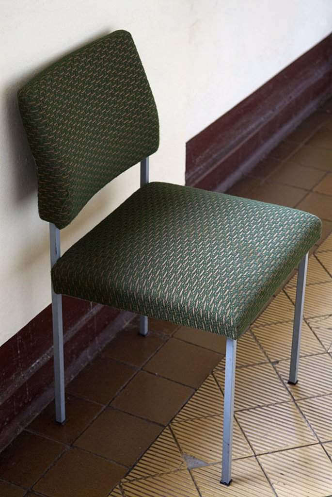 Chair, wall, ground, wall-niche, green, 04/2006 : Stock Photo