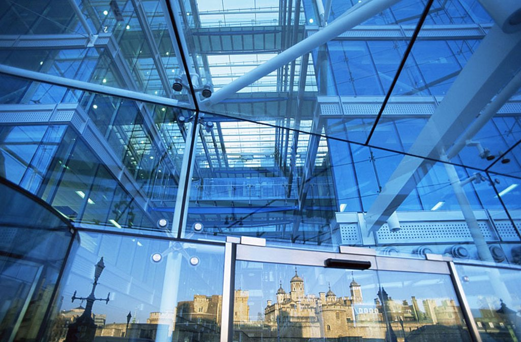 Great Britain, London, Tower-Bridge-House, glass-facade, detail, reflection, tower of London, England, capital, TowerBridgeHouse, tower Bride House, buildings, facade, glass, Reflektion, construction, architecture, sight, tourism, destination, city-dwelle : Stock Photo