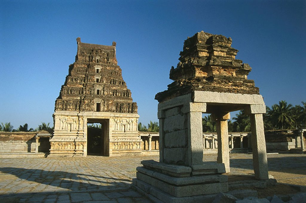 India, Karnataka, Hampi, Vijayanagar ruin-city, temples, Asia, South-Asia, construction, architecture, history, ruins, ´city of the victory´, Vijayanagara, remains, palace-installation, culture, 14 -16  Jh , sight, UNESCO-Weltkulturerbe, gates, gate-const : Stock Photo
