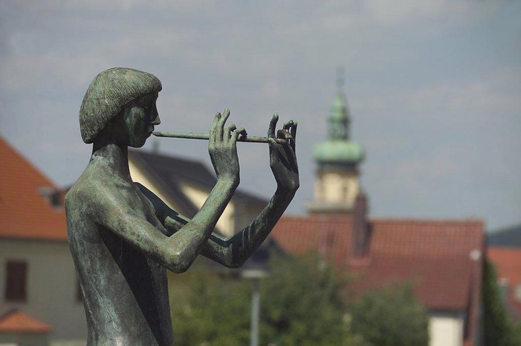 Germany, Baden-Württemberg, eels, sculpture flutist side-opinion semi-portrait Ostalbkreis city, art, sculptor-art, statue, monument, bronze-figure, musician, woman, flute, makes music, pipes, flute-game, music, outside, : Stock Photo