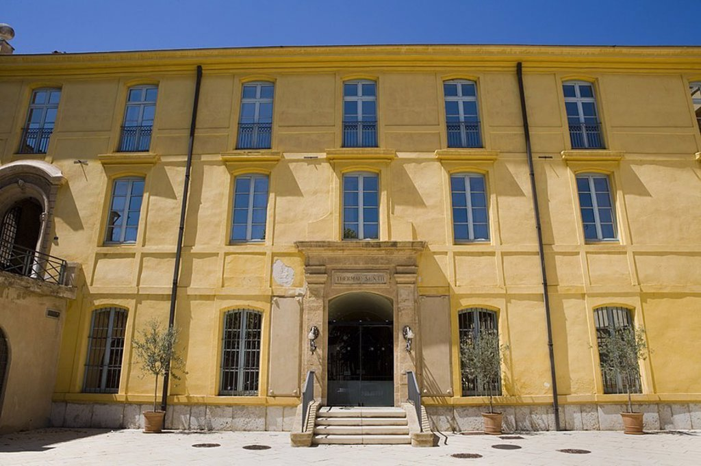 France, Provence, Aix-en-Provence, Thermes Sextius, facade, detail, South-France, Rue you Bon Pasteur thermal-bath thermal, house-facade, yellow, entrance, entrance-area, construction, architecture, sight, : Stock Photo