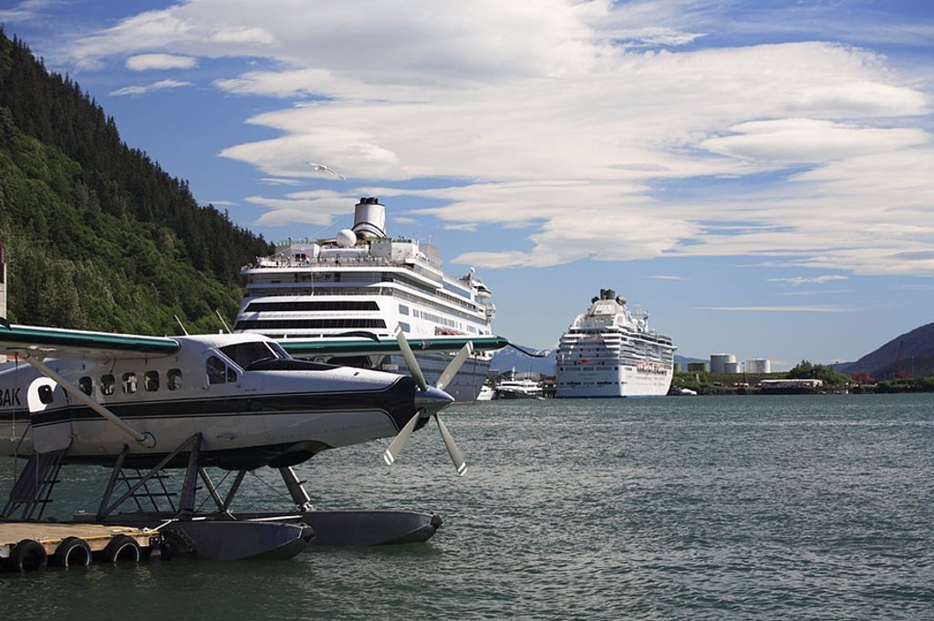USA, Alaska, coast, Juneau, harbor, hydroplane, cruise-ships, sea, cloud-heavens, summers, North America, southeast-Alaska, southeast, Panhandle, Inside passage, Alaska-Panhandle, capital, city, landing place, transportations, air-vehicles, airplanes, spe : Stock Photo