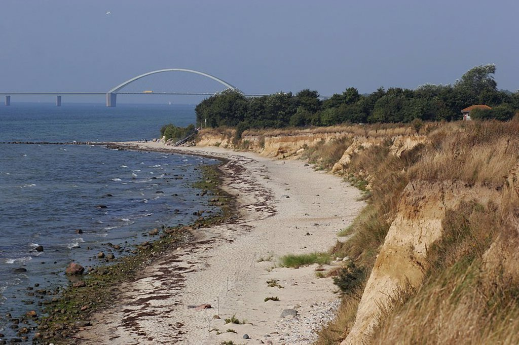 Germany, Schleswig-Holstein, island Fehmarn, steep-coast, background, sound-bridge, series, Europe, Baltic Sea*-island, Baltic sea, sea, Baltic Sea*-beach, beach, sandy beach, coast, coast-landscape, landscape, grass, forest, nature, human-empty, bridge, : Stock Photo