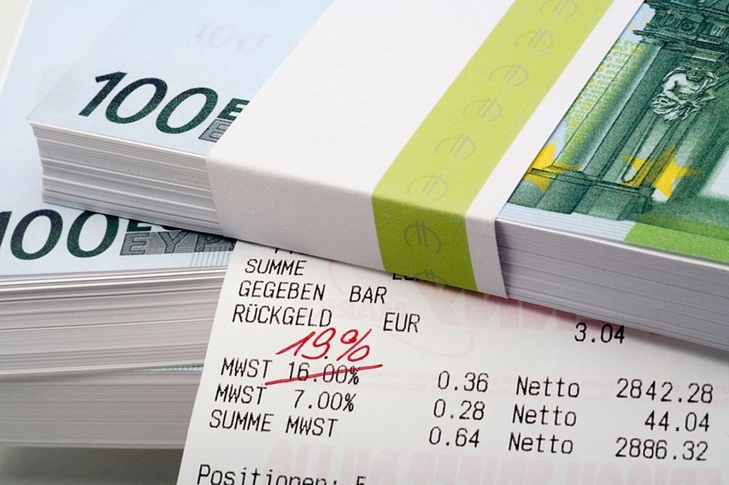 Bills, cash register-papers, value added tax, crossed out, red-pen, repaired, 19 percent, cash, Euro-bills, money, receipt, Bon, writing, changeover, nineteen, symbol, taxes, increase, tax-increase, lapel, increase in prices, price-increase, price-increas : Stock Photo