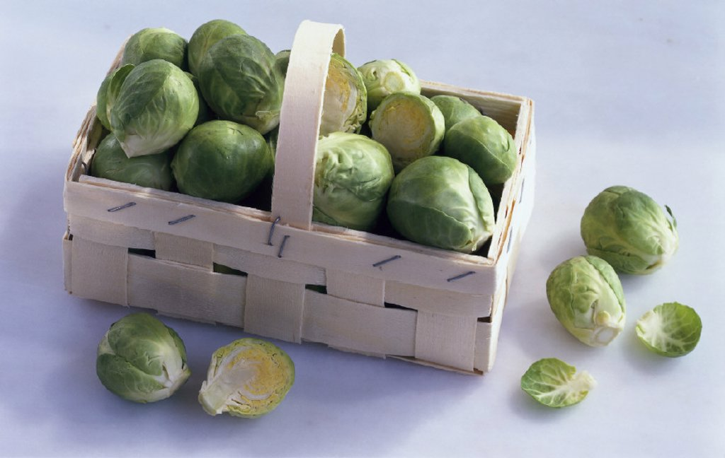 Stock Photo: 1558-128660 Brussels sprouts, Still life