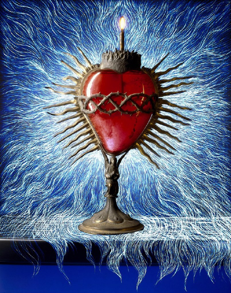 Composing, monstrance, heart : Stock Photo