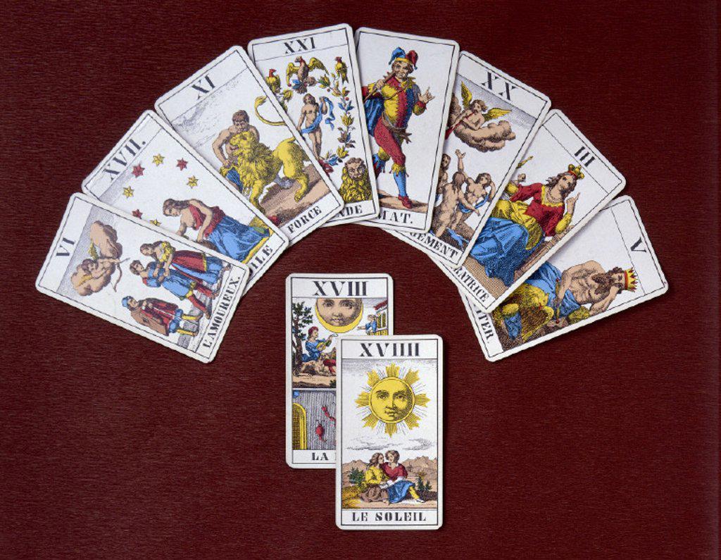 Stock Photo: 1558-130806 Spiritualism, tarot cards