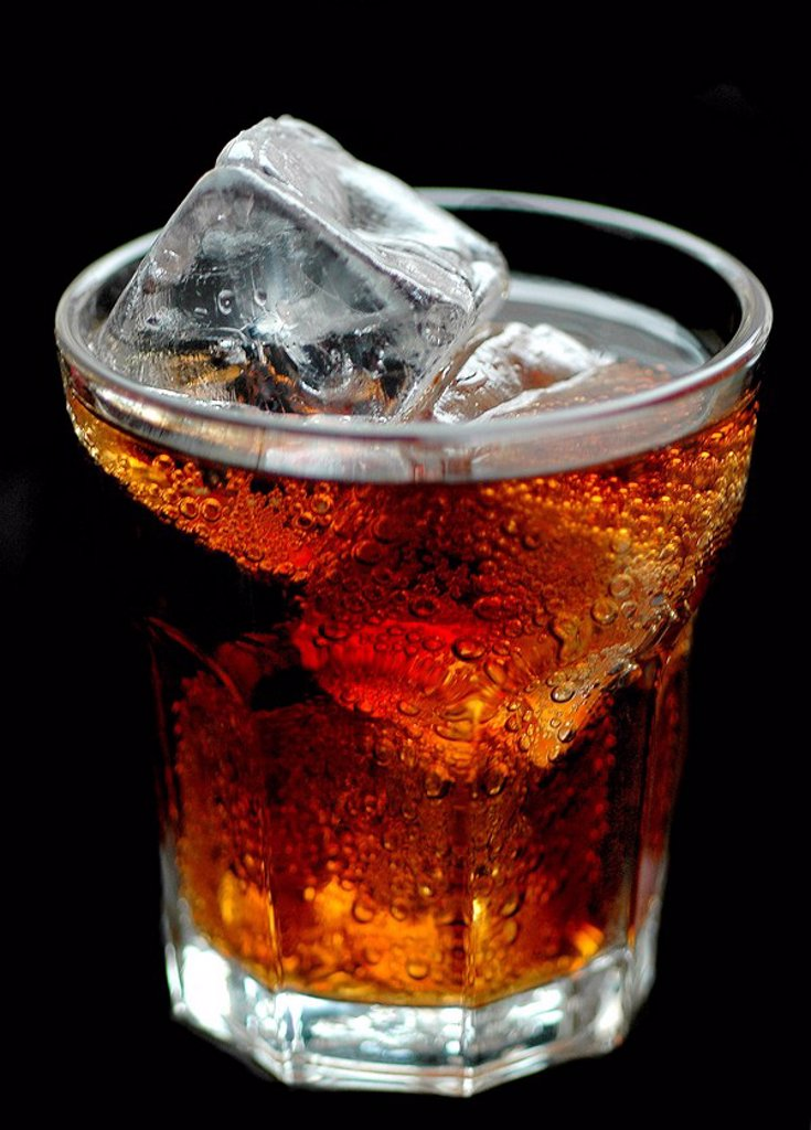 Glass, Softdrink, coke, ice-dice, series, beverage, soda, caffeine-containing, gloomily, dice, ice, iced, cooling, coolly, refreshment-beverage, sugar-containing, high-calorie, calories, carbonic acid, carbonic acid-containing, stimulating thirst, sweet, : Stock Photo