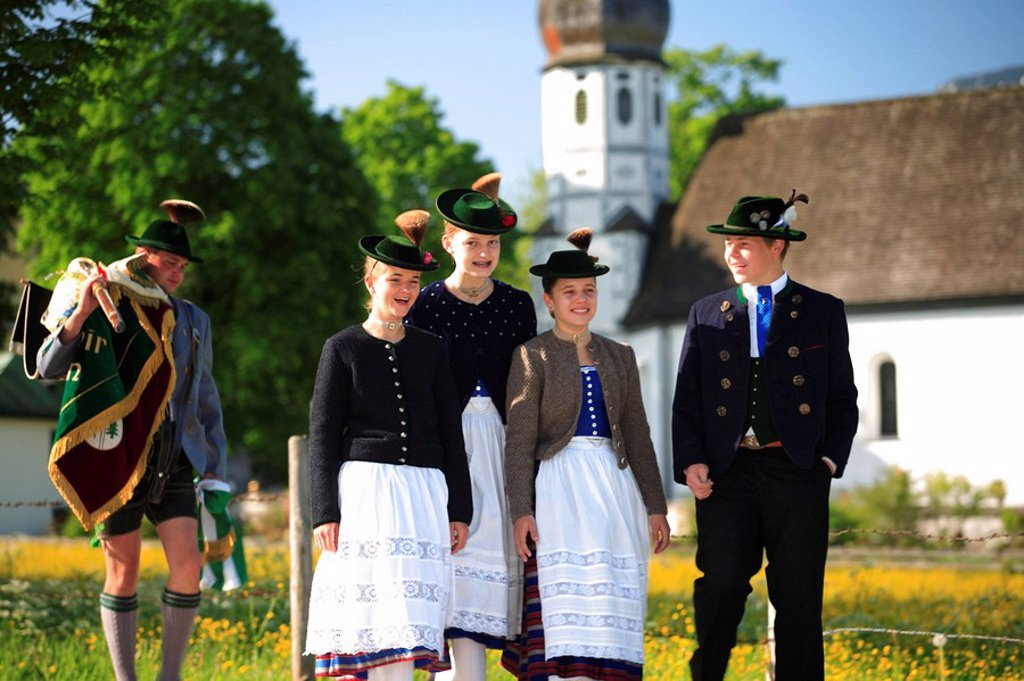 Germany, Bavaria, Fischbachau, Feast of Corpus Christi-day, traditional costum-pilgrimage, pilgrims, teenagers, no models release, Upper Bavaria, Leitzachtal, Feast of Corpus Christi-procession, pilgrimage, pilgrimage-destination birch-stone people pilgri : Stock Photo