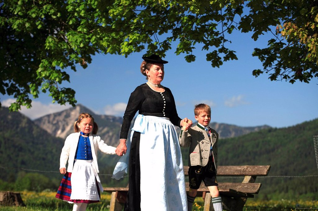 Stock Photo: 1558-134434 Germany, Bavaria, models Fischbachau, Feast of Corpus Christi-day, traditional costum-pilgrimage, pilgrims, no release, Upper Bavaria, Leitzachtal, Feast of Corpus Christi-procession, pilgrimage woman, children, pilgrimage-destination birch-stone people p