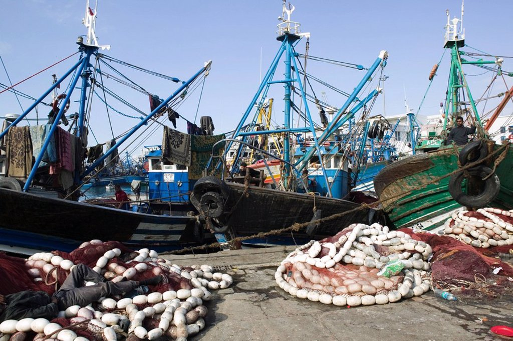 Stock Photo: 1558-134708 Morocco, Casablanca, fisher-harbor, cutters, nets, city, port, Port de bad luck, harbor, fishery, economy, boats, fish-cutters, haul, fisher-nets, outside, fishers,