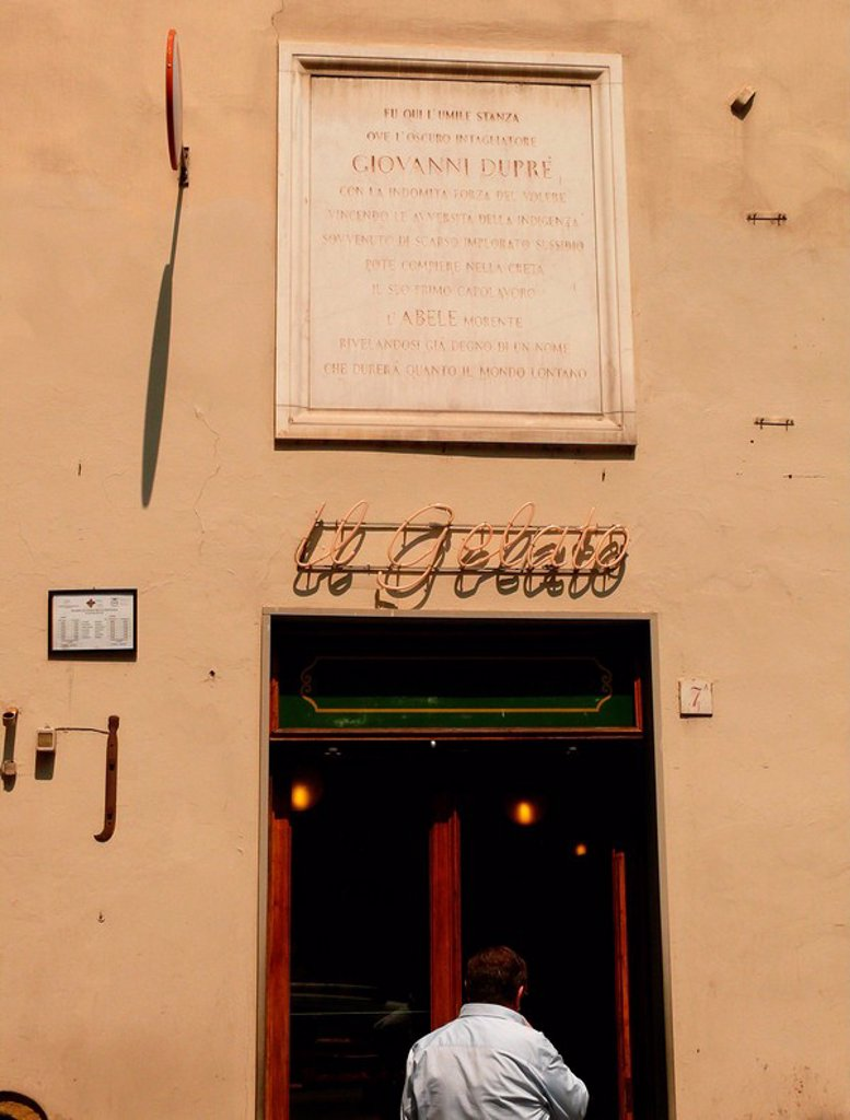 Italy, Tuscany, Florence, Old Town, Via_Isola_delle_Stinche, bar Vivoli Gelateria, door, memorial plaque, Giovanni Dupre, house, economy, sale, gastronomy, ice_hall, ice_parlor, icecream, ice, specialities, ice_specialities, entrance, additional_entrance, : Stock Photo