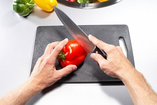 Stock Photo: 1558-149882 Man, detail, hands, knives, paprika, cuts, people, men´s_hands, cooking, hobby_cook, vegetables, pepper, concept, cuts open cooking, preparation preparation nutrition healthy newly, edge_board, kitchen_knives,