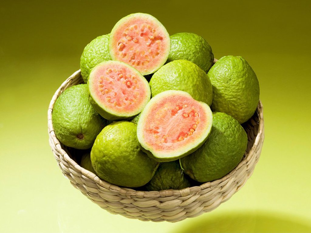 Basket, Guaven, completely, bragged, fruit_basket, myrtle_plants, fruit, fruits, guava, Guava, Guayaba, Goiaba, tropical, exotic, juicy, fruity, aromatic, sweet_acid, salmon_colored, unripe, vitamin_rich, studio, : Stock Photo