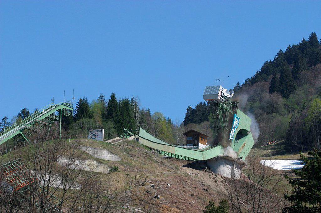 Germany, Bavaria, Garmisch_Partenkirchen, Olympic_ski_jumping hill, ski_ski jump, ski jump, ski jump, steel_construction, ski jump_installation, big_ski jump, attempt_tower, destruction, demolition works, demolition, summary, summary_phase, collapse, dese : Stock Photo