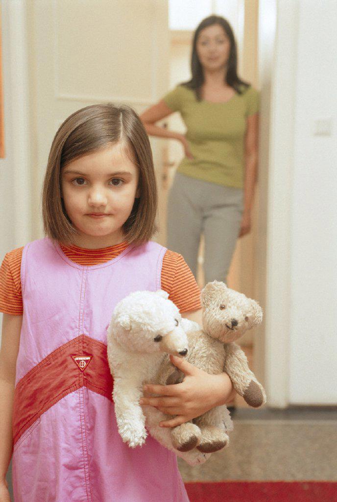 Stock Photo: 1558-156953 girl, cuddly toy, half portrait