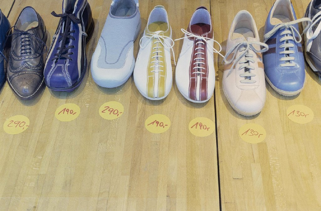 Stock Photo: 1558-51615 shoe shop, detail, shoes, prices