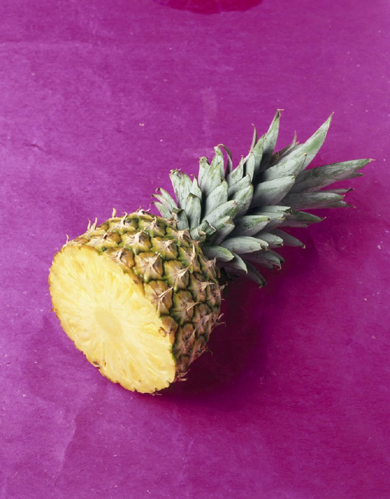 Stock Photo: 1558-58221 Pineapple, bragged