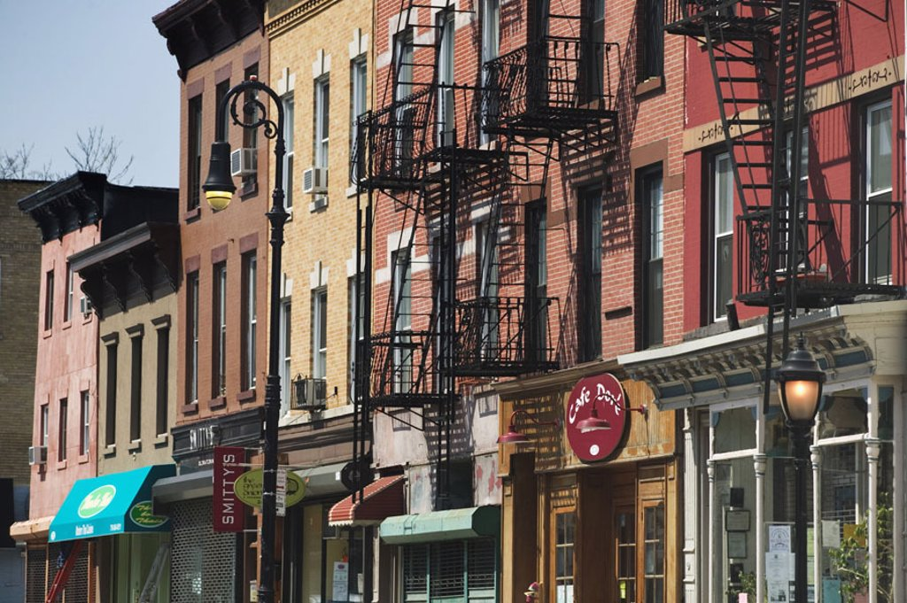 USA, New York city Brooklyn Cobble  Hill, Smith Street, row of houses, detail,  America, North America, city, metropolis, district, Houses, residences, house facades, facades, colorfully, colorful, pussy, fire leaders, outside leaders, outside leaders, fi : Stock Photo