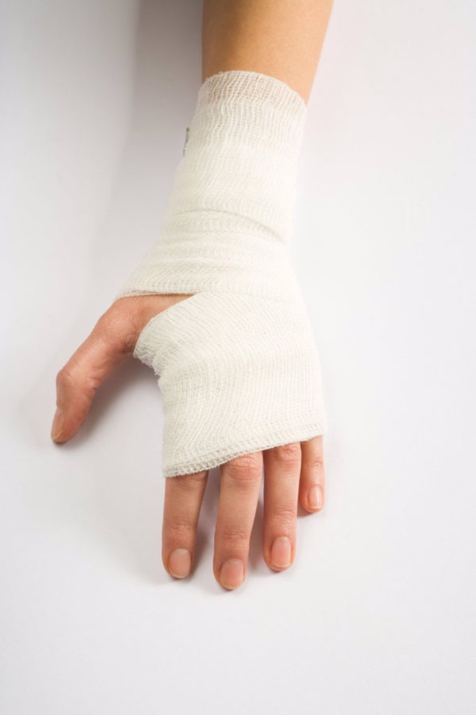 Woman, detail, hand, association, from above   Medicine, public health, illness, women hand, female patient, injury, wound, protective bandage, bandage, wound dressing, backs of the hand, bound, connected, protection, sick, pains, concept, first supply, f : Stock Photo