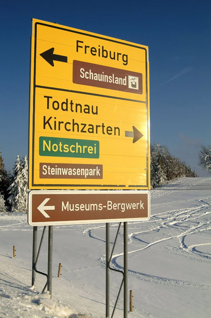 Germany, Baden-Württemberg,  Black forest, traffic sign,  Signposts Europe, high Black forest, sign, sign, hints, directions, Richtungweisend, sights, museum, Museums-Bergwerk, Steinwareenpark, Schauinsland, season, winters, snow : Stock Photo