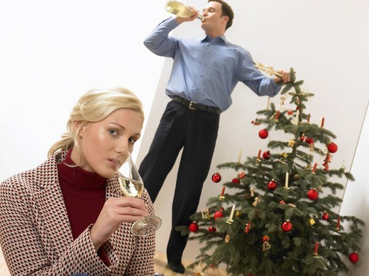 Living rooms, Weihnachtsbaum,  couple, Bescherung, champagne drinks, Mood negative Christmas, , 20-30 years, friends, Christmas celebration, champagne glass, champagne bottle, dispute, Zoff, Incongruity, frustration, unfortunately, dissatisfaction, Proble : Stock Photo