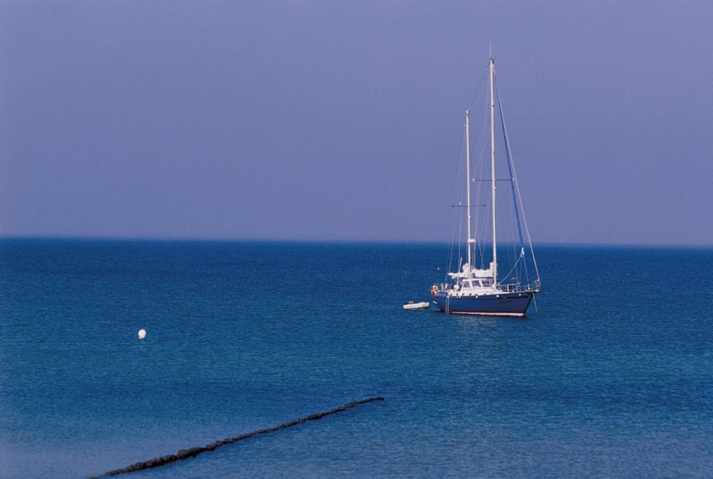 Stock Photo: 1558-72156 Sea, sailboat,   Ocean, boat, ship, anchoring, sailing, sailing, Segeltörn, leisure time, vacation, adventures, Stretch, distance, horizon, silence, silence, concept, country walk, color mood blue, Textfreiraum