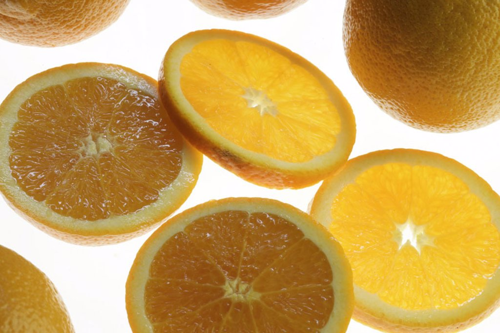Stock Photo: 1558-73496 Oranges, completely, cut   Food, food, fruit, fruits, citrus fruits, South fruits, oranges, orange disks, bragged, pulp orange, fruity, juicy, acid, sweetly, fresh, healthy, rich in vitamins, vitamin C, ´vitamin bomb´, quietly life, truncated, fact recept