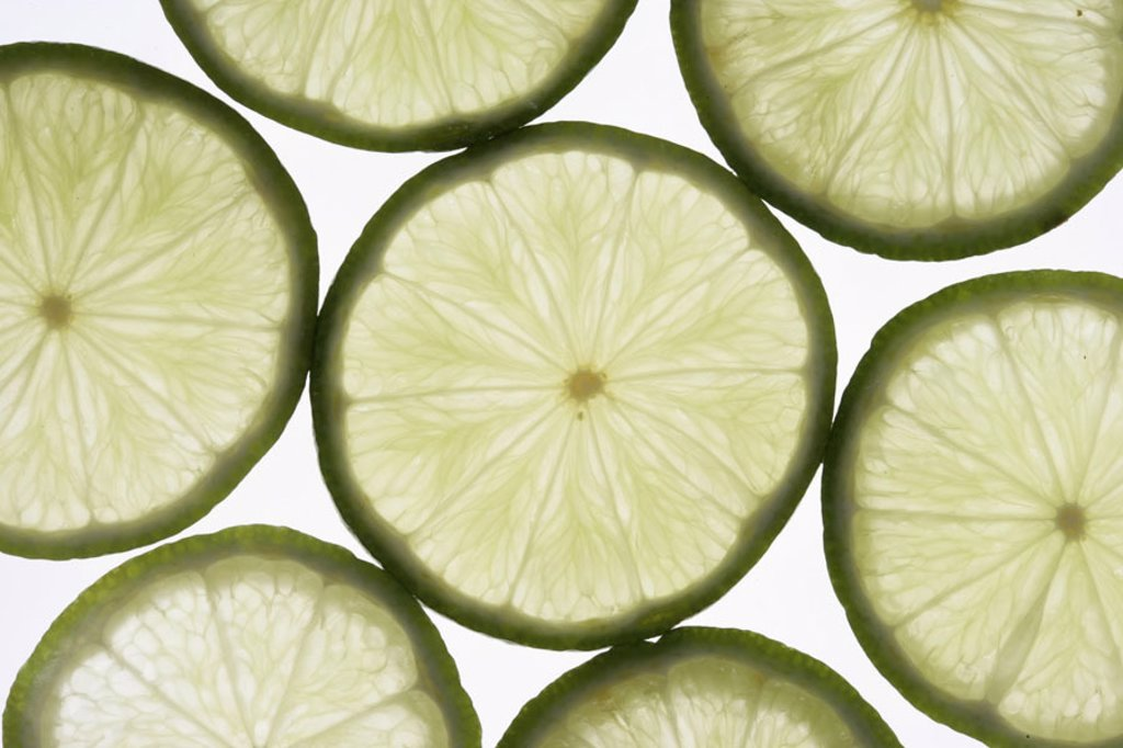 Limette, bragged   Food, food, fruit, fruits, citrus fruits, South fruits, green, limette disks, pulp yellow, fruity, juicy, sour, healthy, vitamin C, ´vitamin bomb´, rich in vitamins, newly, truncated, quietly life, fact reception, Background, Durchlicht : Stock Photo