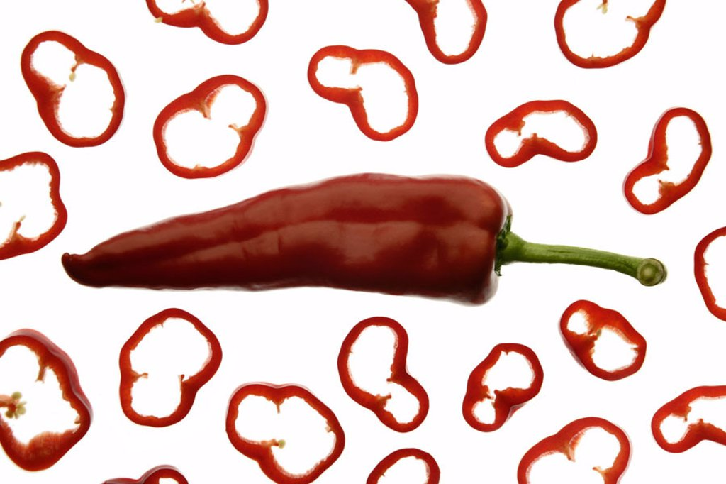 Stock Photo: 1558-75559 Pepper, Sweet Pepper, red,  Paprika rings  Series, food, vegetables, vegetable paprika, paprika, pod, rings, cut, bragged, completely, concept, crispy, newly, noble-sweetly, quietly life, fact reception, studio, free plates