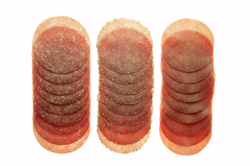 Sausage cold cuts, salami, kinds, different  Cold cuts, sausage, permanent sausage, hard sausage, salami kinds, bragged, sausage disks, salami disks,  Disks, three different, prepared, roughly, finely, taste, concept, bread time, eat, hunger, Appetite, fa : Stock Photo