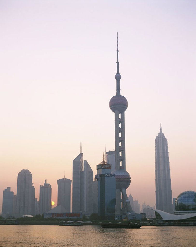 Stock Photo: 1558-76686 China, Shanghai, ´association´, skyline, Oriental Pearl tower, Huangpu River, Sunrise Asia, Eastern Asia, city, view at the city, trading center, industry center, Pudong, skyscrapers, television tower, construction, landmarks, sight, ´pearl of the east´,