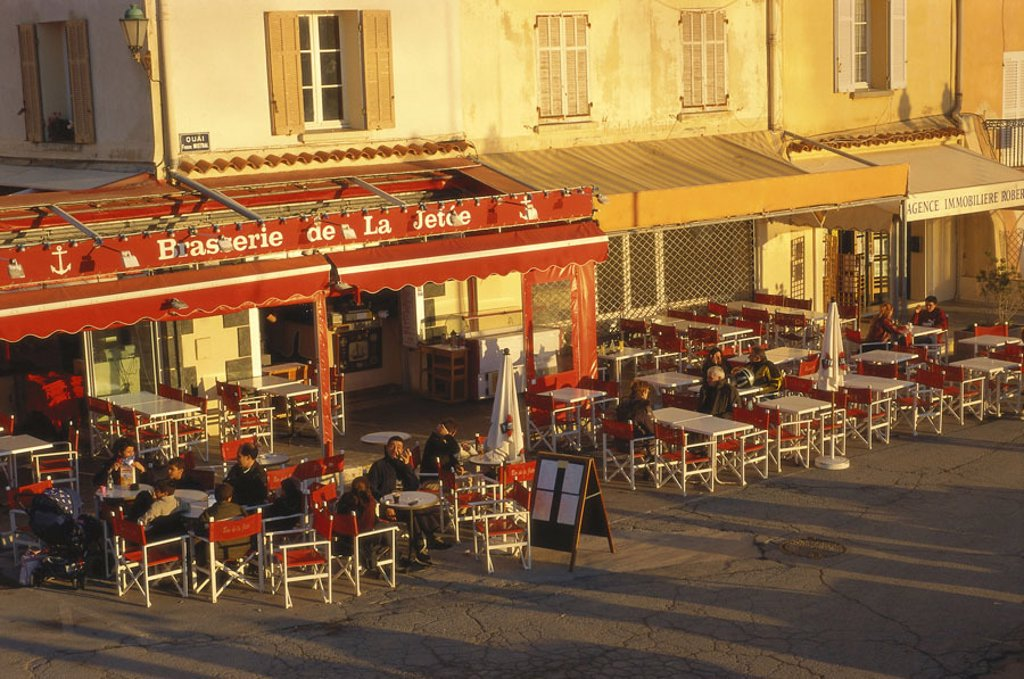 Stock Photo: 1558-77668 France, Côte d´Azur, Saint Tropez,  Harbor promenade, street cafes,  Dusk Europe, South France, Provence, Französische Riviera, Département Var, ages harbor promenade street pubs pubs cafes, gastronomy, seating, guests, tourists, tourism, destination, out