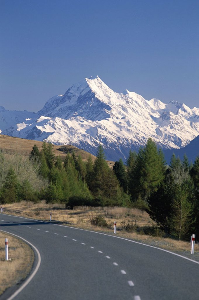 New Zealand, South island, mountains, Mountain street, Mount Cook, 3764 m,  snow-covered Southern Alps Mountain position, New Zealand Alps, highland, mountains, street, connection, isolation, nature, nature scenery, picturesque, destination : Stock Photo