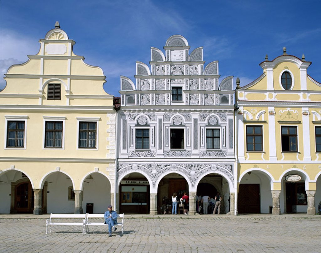 Stock Photo: 1558-79749 Czech republic, Telc,  Namesti Zachariase Z Hradce, Gable houses, passer-bys, South nags, nags, Teltsch, Zacharia Hradec Square, Market place, houses, buildings, facades, different, constructions, architecture, architecture, culture, sight, destination, t