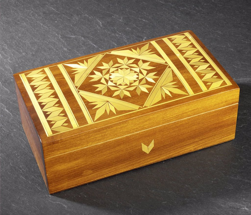Inlay can   Can, wood can, wood, wood inlay, inlay, handicraft, skillfully, jewelry can, casket, jewelry casket, storage, concept, valuables, secrets, memories, quietly life, studio, wood boxes : Stock Photo