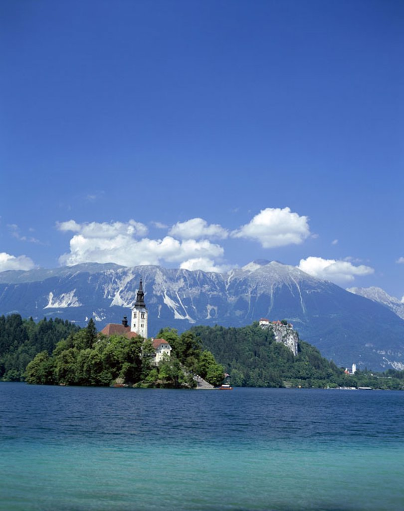 Slovenia, Bled, landscape, Bleder,  Sea, island, baroque church ´St. Maria  in the lake´, summer, Series, Balkan peninsula, Julische Alps, air health resort, sea, church, parish church, destination, sight, culture, highland, mountains, nature scenery, pic : Stock Photo